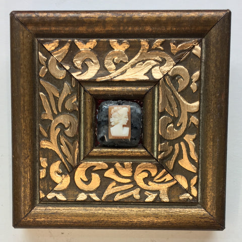 Gilt Frame with Cameo (3.25
