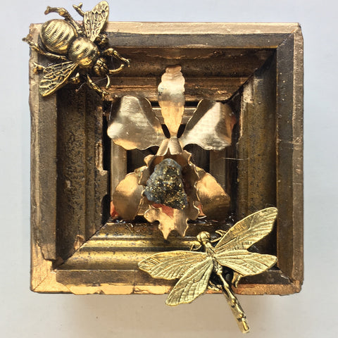 Gilt Frame with Dragonfly and Grande Bee (3