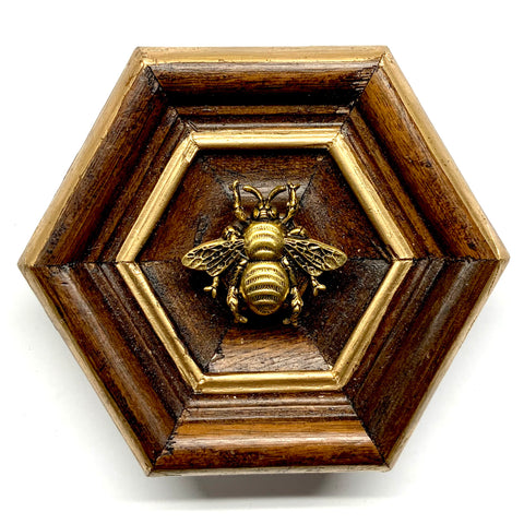 Wooden Frame with Grande Bee (3.75