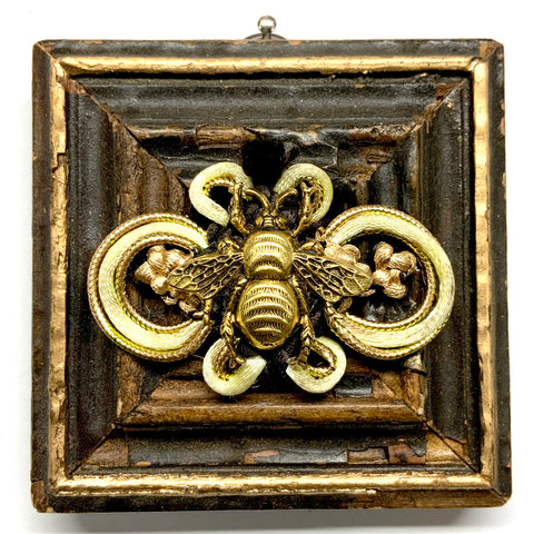 Painted Frame with Grande Bee on Brooch (3.25