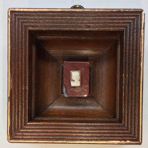 Wooden Frame with Cameo (3.75