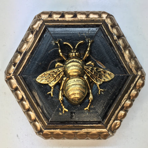 Dark Gilt Frame with Grande Bee (3.25