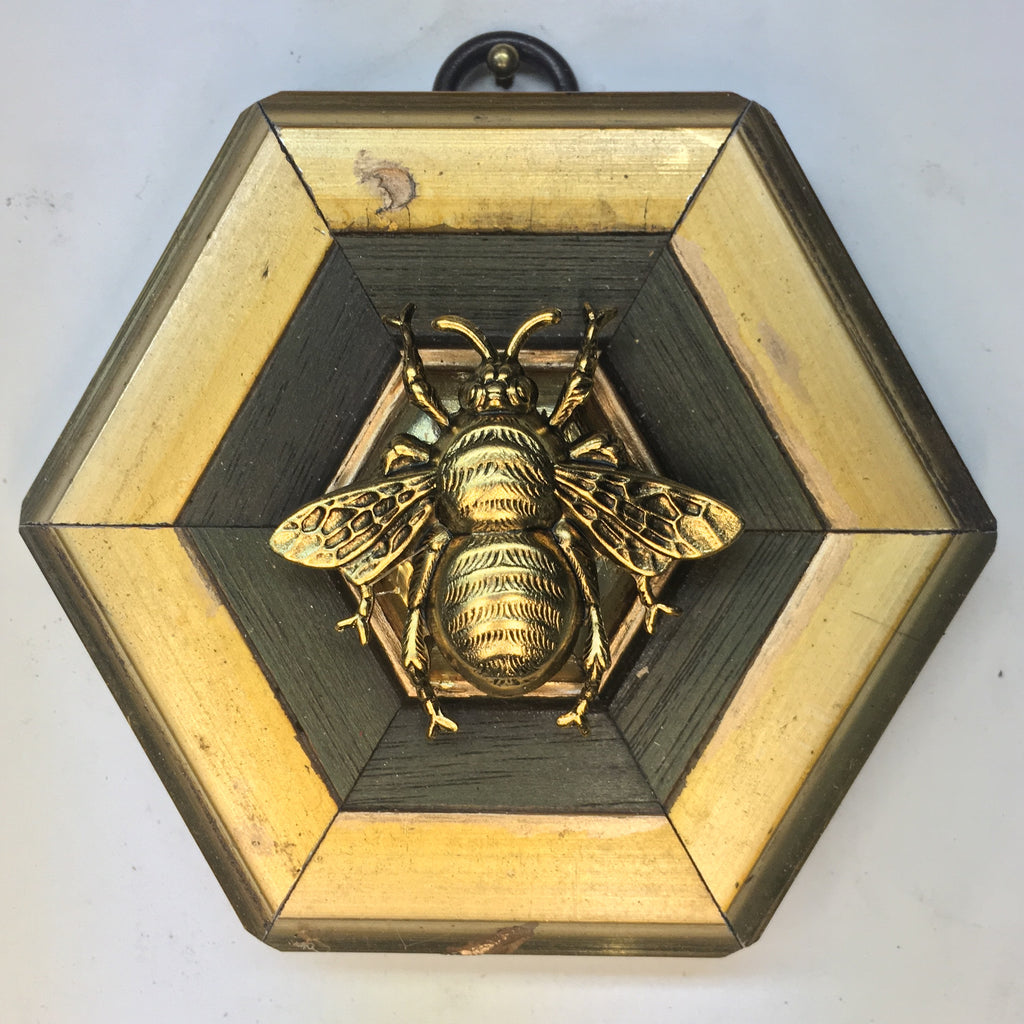 Gilt Painted Frame with Grande Bee (3.5