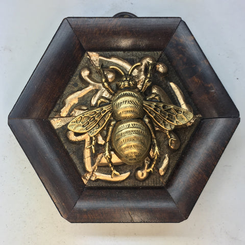 Gilt Wooden Frame with Grande Bee (3.25