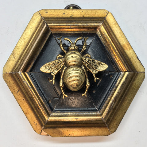 Dark Gilt Frame with Grande Bee (3.75