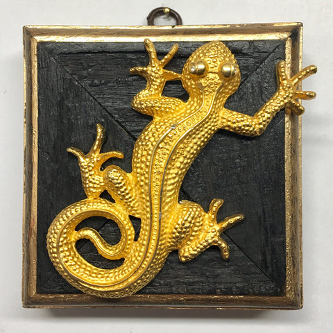 Bourbon Barrel Frame with Gecko Brooch (4
