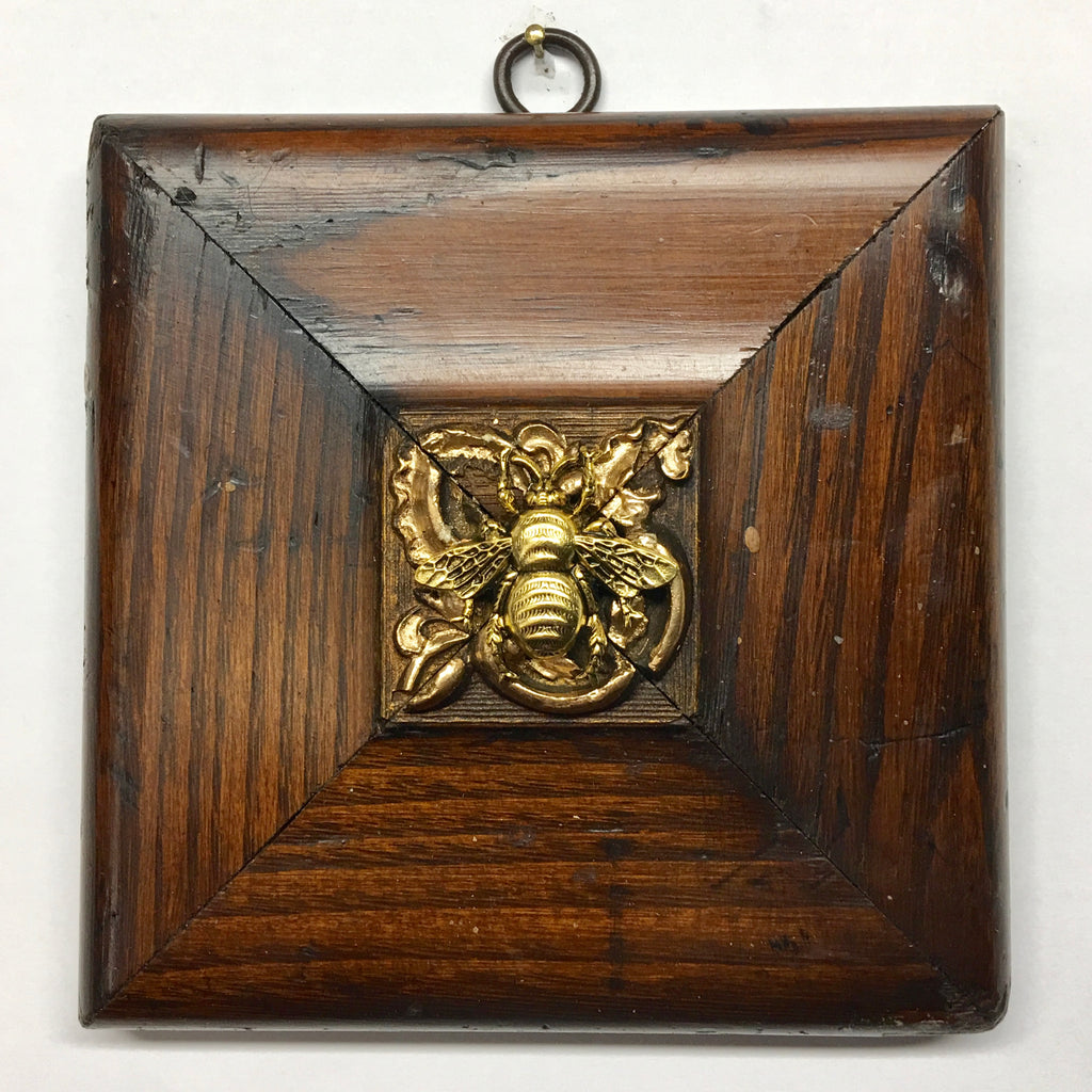 Wooden Frame with Grande Bee  (4.75