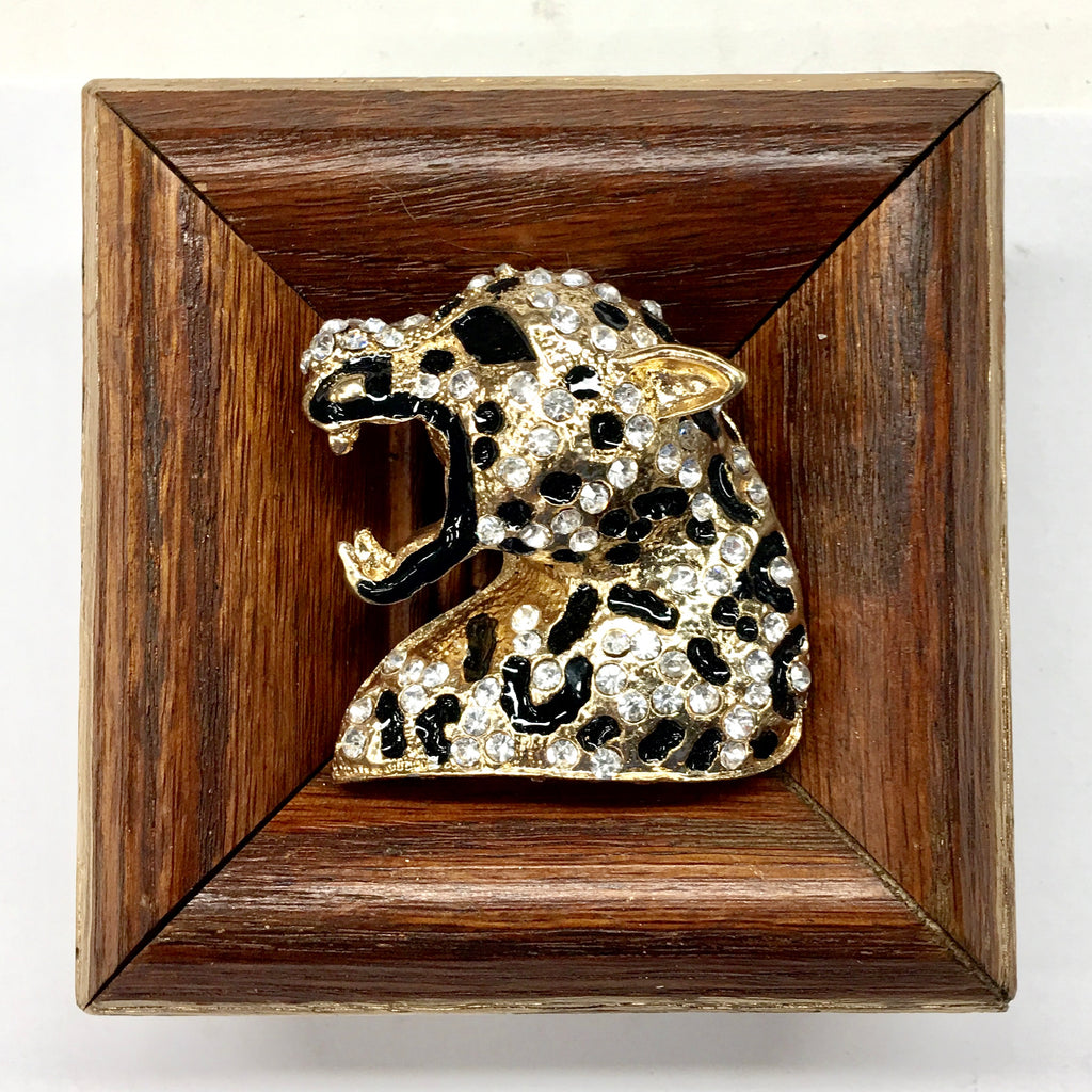 Wooden Frame with Leopard Brooch (3.5
