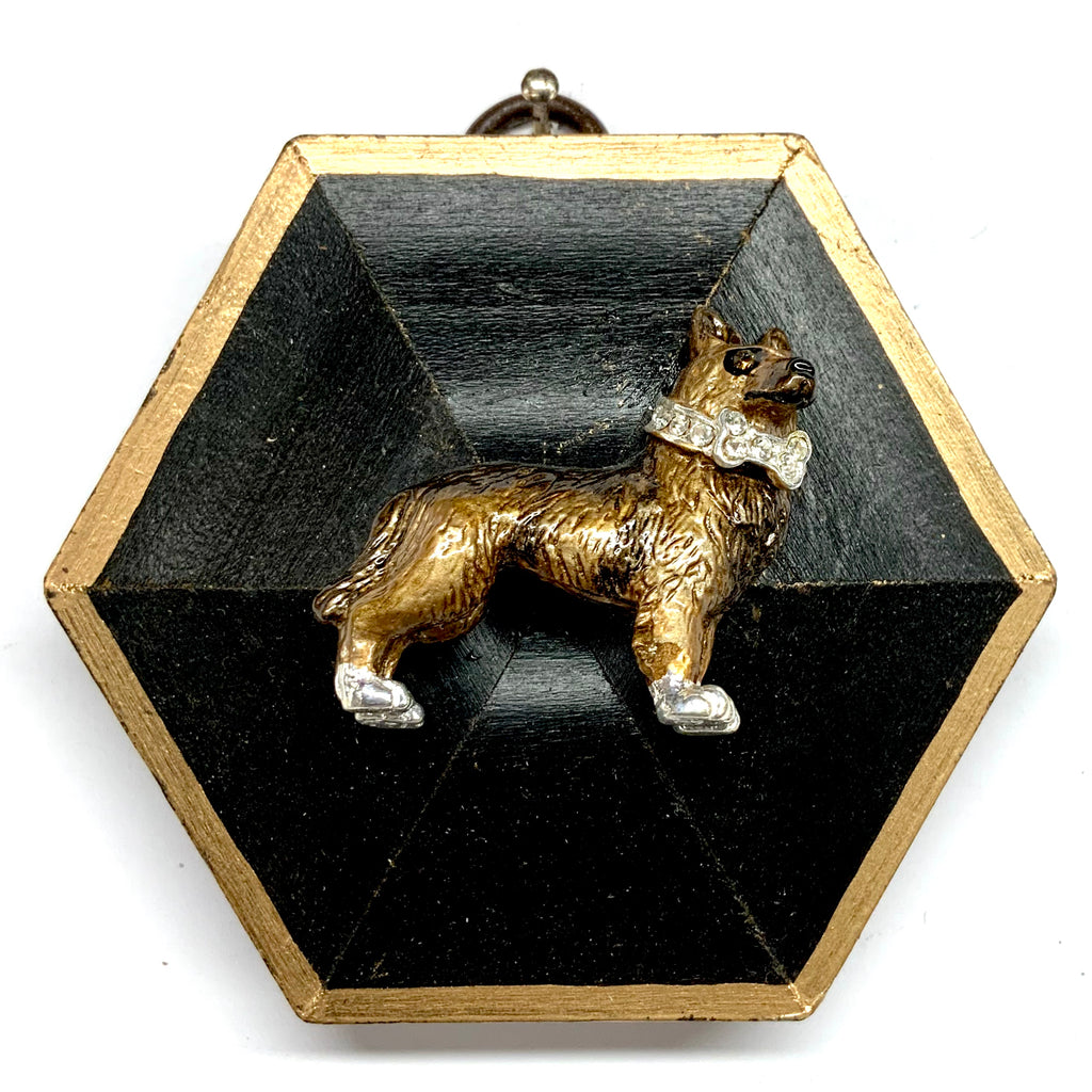 Lacquered Frame with Dog Brooch (3.5