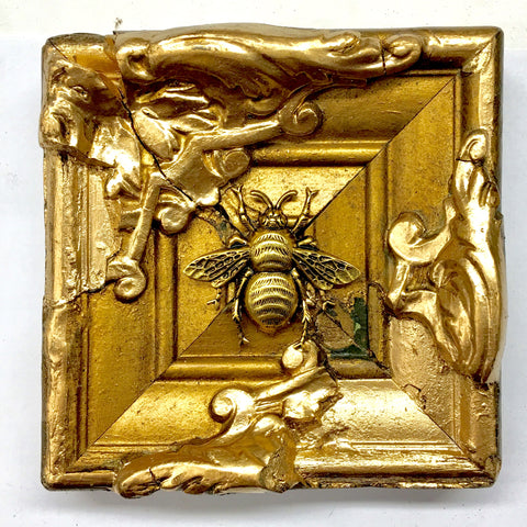 Gilt Frame with Grande Bee (4.1