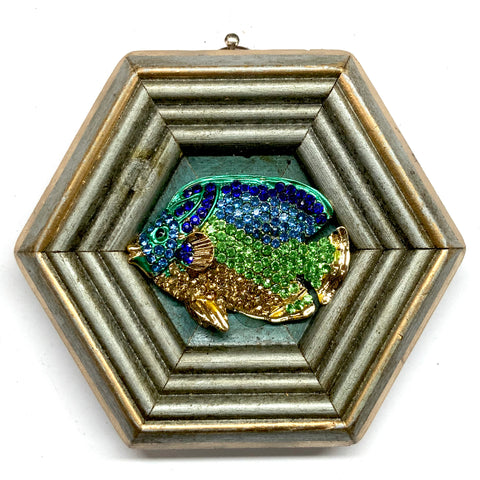 Painted Frame with Sparkle Fish Brooch (4
