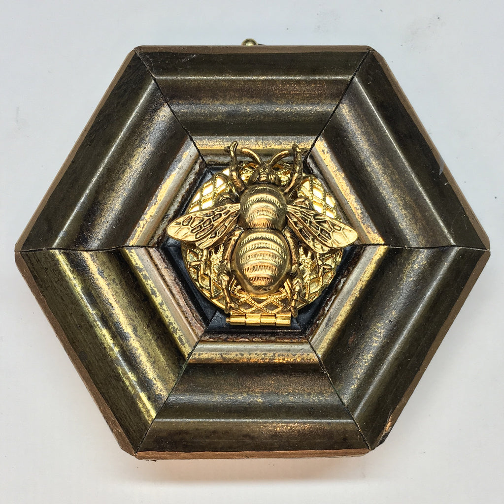 Gilt Frame with Grande Bee on Locket with Ram underneath (3.25