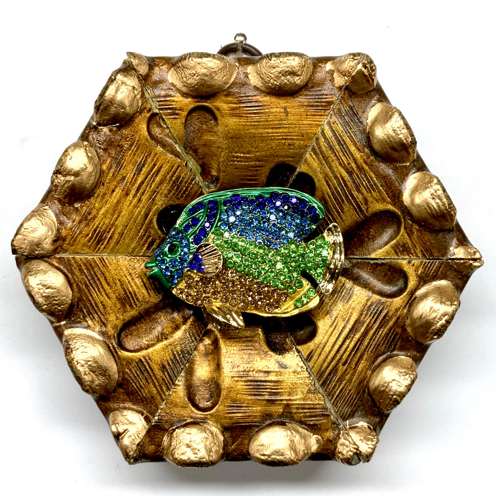 Gilt Frame with Sparkle Fish Brooch (4.5