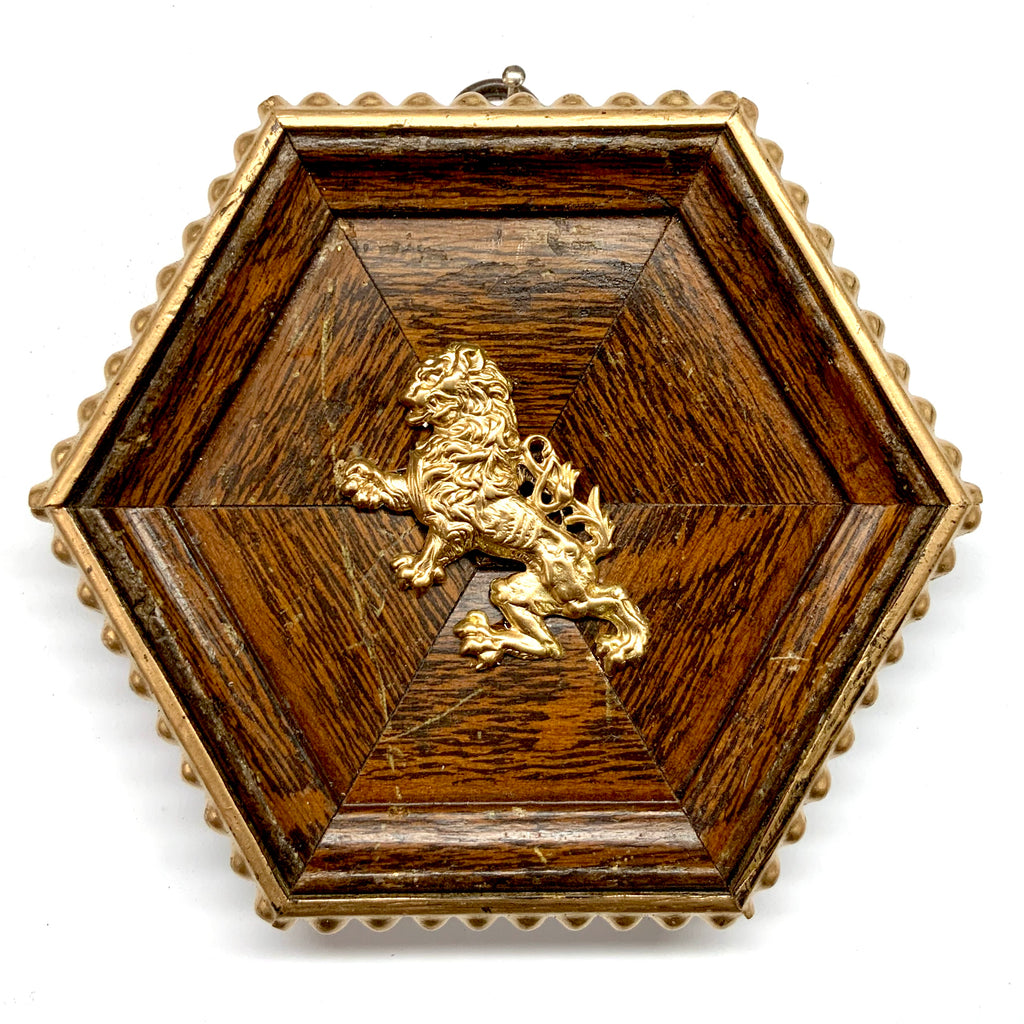 Wooden Frame with English Lion (5