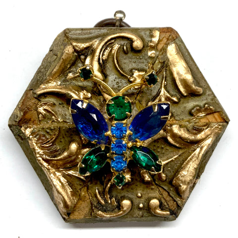 Gilt Frame with Butterfly Brooch (2.5