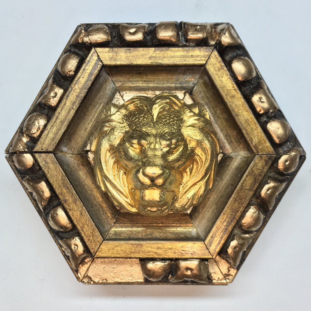 Gilt Frame with Lion (3.5