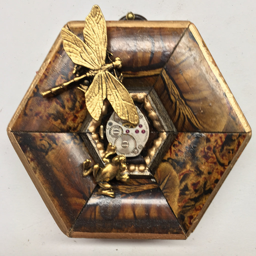 Marbled Frame with Dragonfly around Watch Movement (3.5