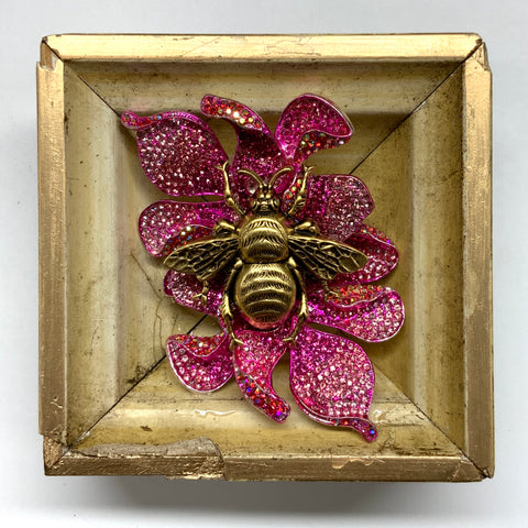Painted Frame with Grande Bee on Brooch (3.5