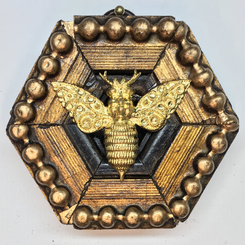 Gilt Frame with Victorian Bee (2.75