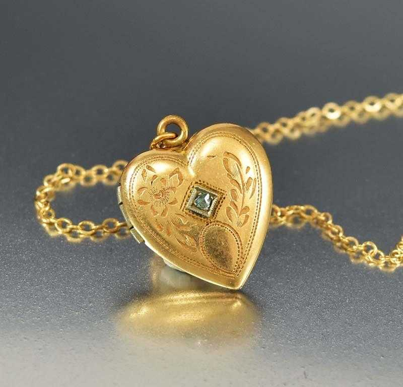 gold image shaped a heart yellow with locket diamond tw