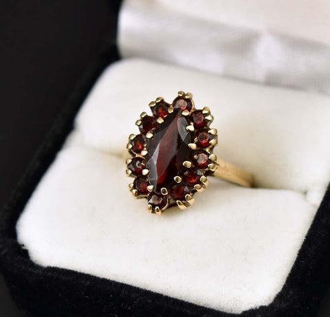 Charming Edwardian Gold and Garnet Cluster Ring