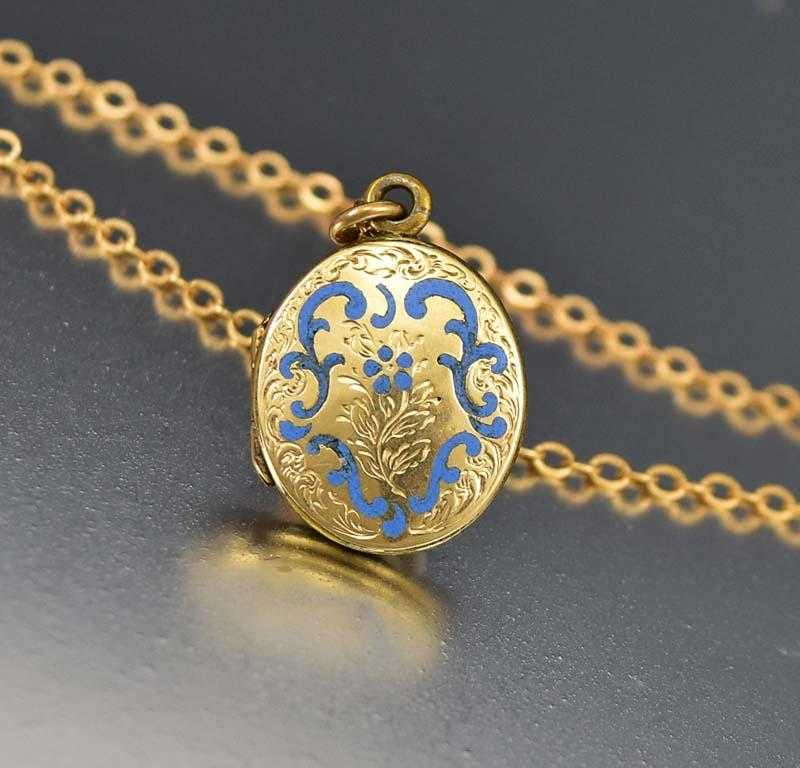 Charming Enamel and Gold Victorian Locket Necklace - Boylerpf