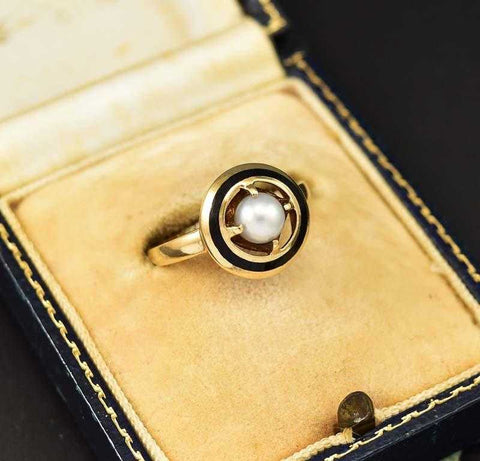Outstanding Gold Pearl and Enamel Mourning Ring