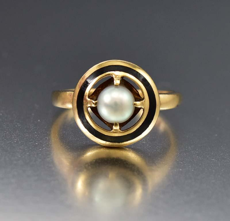 Outstanding Gold Pearl and Enamel Mourning Ring - Boylerpf