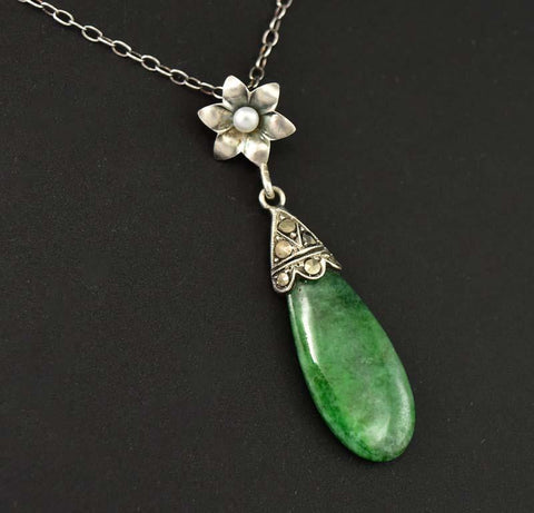 Silver Pearl and Jade Lovely Art Deco Pendant Necklace