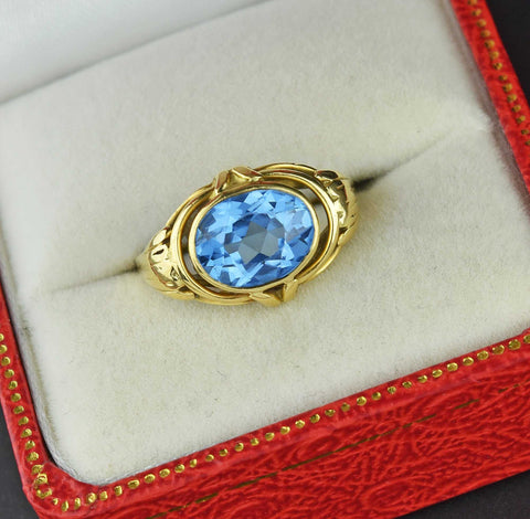 Vintage 18K Gold Blue Spinel East-West Ring