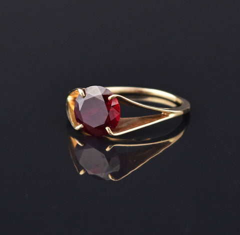 Chic Art Deco Ruby Gold Solitaire Ring