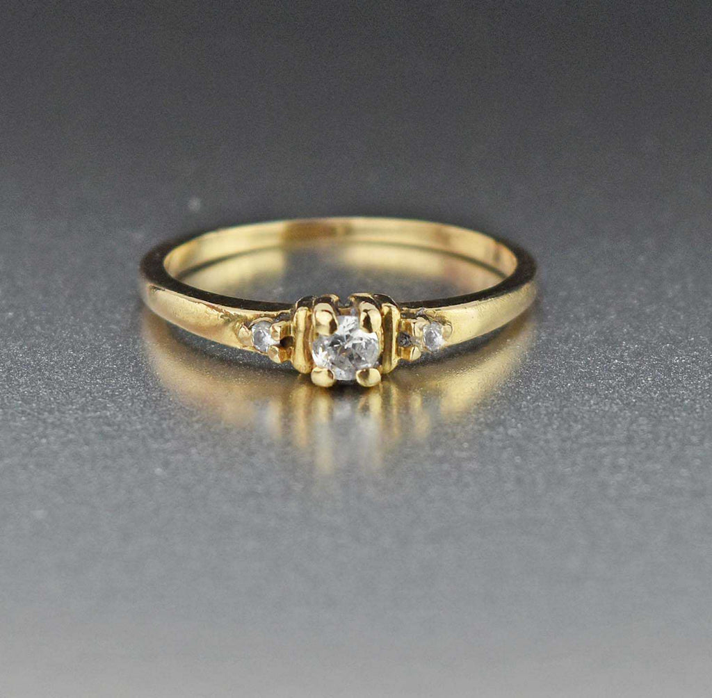 Vintage Solid Gold Engagement Ring - Boylerpf