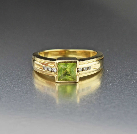 18K Gold Antique Diamond Peridot Engagement Ring