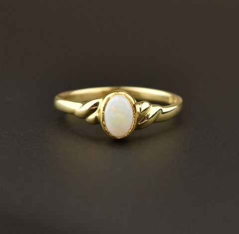 18K Gold Vintage Opal Solitaire Engagement Ring