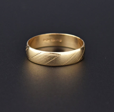 Engraved Design Wide Gold Wedding Band Ring, Sz 8