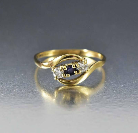 Vintage Retro English Gold Diamond Sapphire Ring
