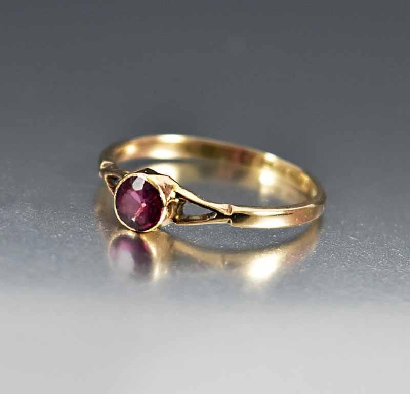 Antique English Gold Amethyst Engagement Ring - Boylerpf - 1