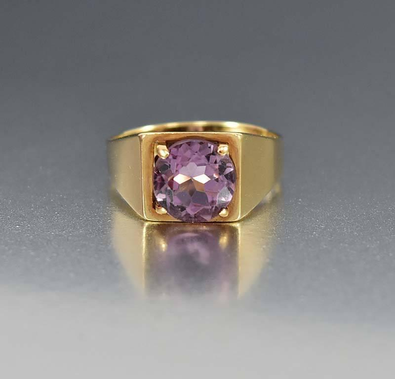 English Gold Signet Style Amethyst Ring - Boylerpf
