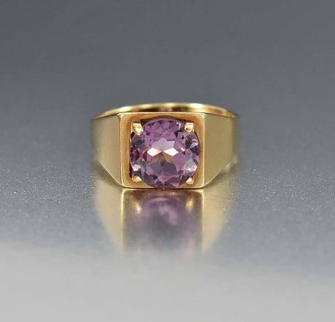 English Gold Signet Style Amethyst Ring