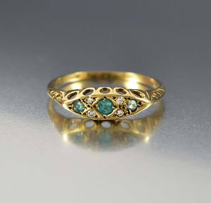 Gold Emerald Diamond Antique Wedding Band Ring