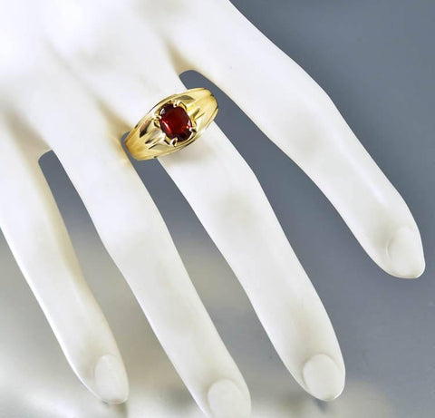 Vintage Mens Gold Band Signet Garnet Ring