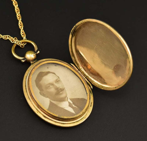 Beautiful Edwardian Gold Locket Pendant Necklace