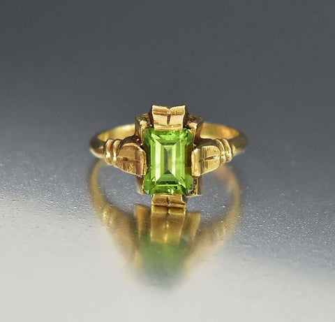 Vintage Art Deco 10K Gold Peridot Ring