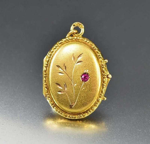 Victorian Bohemian Garnet Locket Pendant Necklace c. 1860