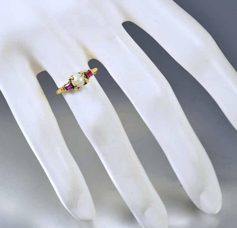 Vintage Art Deco Gold Pearl Ruby Ring
