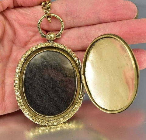 Large Antique Georgian Gold Engraved Locket