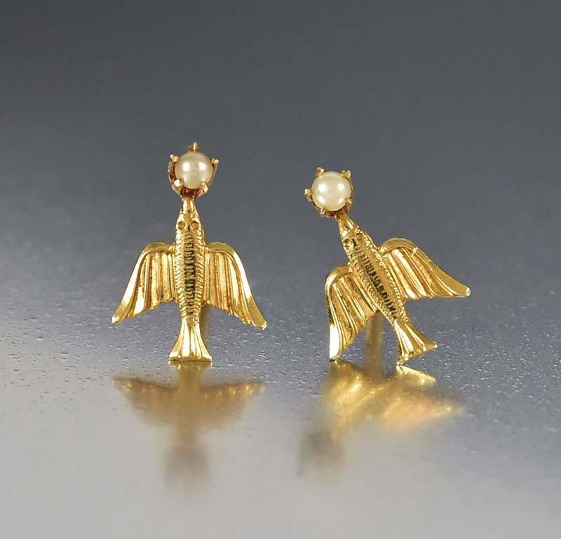 Vintage BDA Gold Pearl Swallow Stud Earrings - Boylerpf