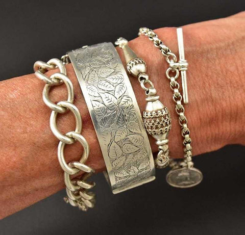 Superb Antique Victorian Ivy Engraved Cuff Bracelet