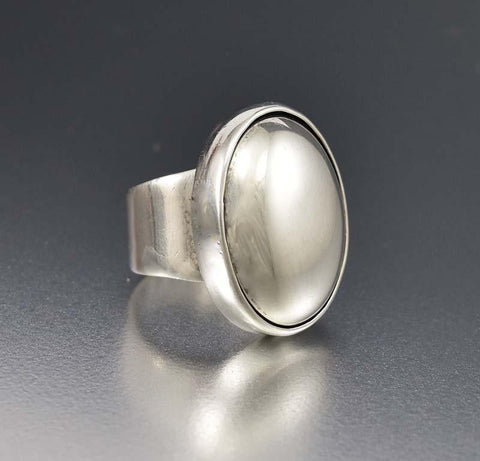 Chic Vintage Modernist Sterling Silver Dome Ring
