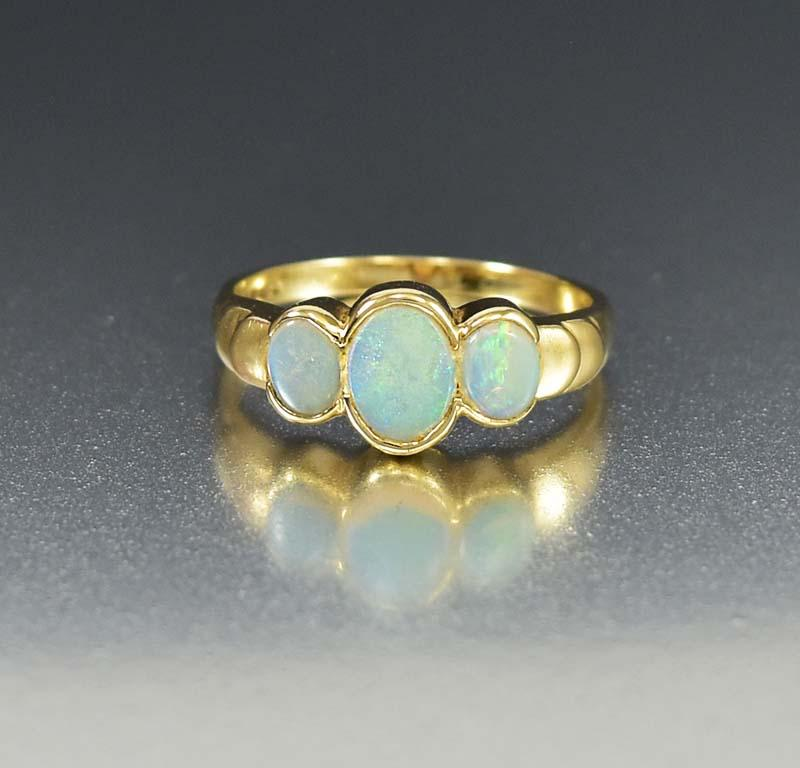 Gold English Three Stone Opal Band Ring - Boylerpf